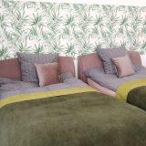 Betten in grün und rose